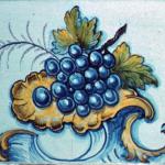 Steckborner Ofenkachel mit Weintrauben, @ Denkmalpflege Thurgau
