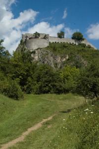 Die Festung Hohentwiel vom Vulkanpfad aus betrachtet, Foto © Barbara Hutzl-Ronge