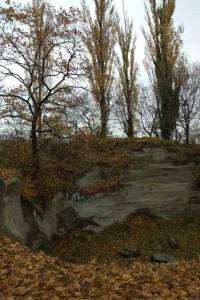 Die Gletschermühle, ein kreisrundes Loch im Sandstein