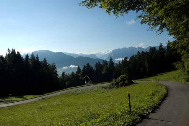 Blick unterhalb vom Lorenapass auf den Bregenzerwald, Foto © Barbara Hutzl-Ronge